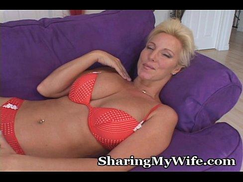 http://img-l3.xvideos.com/videos/thumbslll/e0/25/54/e02554539efb8b62699db2d13c061774/e02554539efb8b62699db2d13c061774.2.jpg