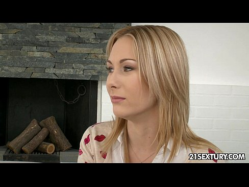 http://img-l3.xvideos.com/videos/thumbslll/e7/2d/53/e72d5398fd4bd0334b570633e1a01ee3/e72d5398fd4bd0334b570633e1a01ee3.4.jpg