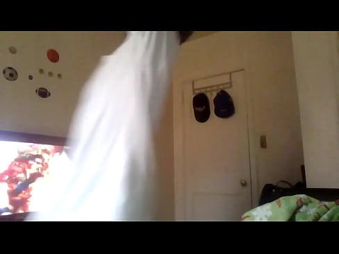 http://img-l3.xvideos.com/videos/thumbslll/ef/b7/70/efb77087129ff407787e08b4d2606a45/efb77087129ff407787e08b4d2606a45.15.jpg