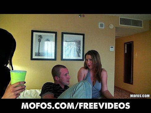 http://img-l3.xvideos.com/videos/thumbslll/f0/5f/9b/f05f9b02a522a18cdcd3053792a243ab/f05f9b02a522a18cdcd3053792a243ab.3.jpg