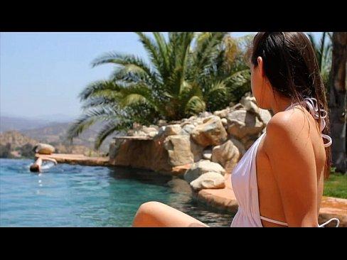 http://img-l3.xvideos.com/videos/thumbslll/f0/87/75/f087757fd54cc96bbf706ad8f42cff25/f087757fd54cc96bbf706ad8f42cff25.3.jpg