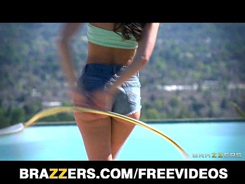 http://img-l3.xvideos.com/videos/thumbslll/f1/16/10/f1161063c24ed86905ecaf166f3fc898/f1161063c24ed86905ecaf166f3fc898.3.jpg