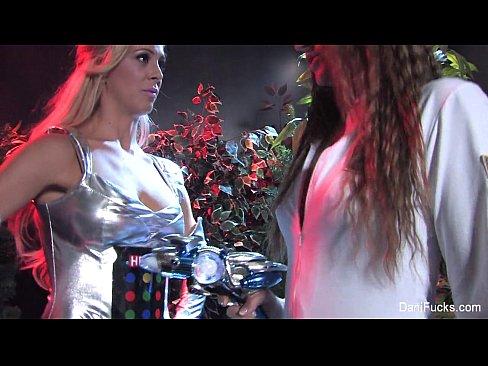http://img-l3.xvideos.com/videos/thumbslll/f3/bc/51/f3bc5173f7cb66e7780d5cb57701c918/f3bc5173f7cb66e7780d5cb57701c918.13.jpg