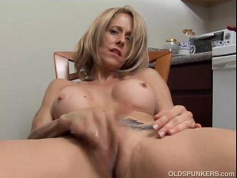 Female exotic amateur