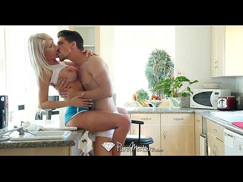 http://img-l3.xvideos.com/videos/thumbslll/f5/b9/62/f5b962e75d90538b9277fa4a0ddab219/f5b962e75d90538b9277fa4a0ddab219.10.jpg