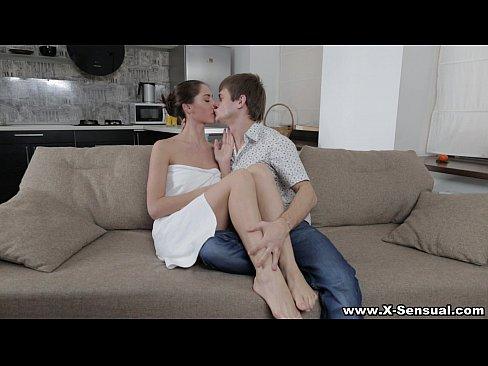 http://img-l3.xvideos.com/videos/thumbslll/f9/06/93/f90693159faa7e4d949e1b99a6845905/f90693159faa7e4d949e1b99a6845905.2.jpg