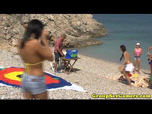 http://img-l3.xvideos.com/videos/thumbslll/fb/98/c6/fb98c6dac54bde8b935a6a15fea13471/fb98c6dac54bde8b935a6a15fea13471.10.jpg