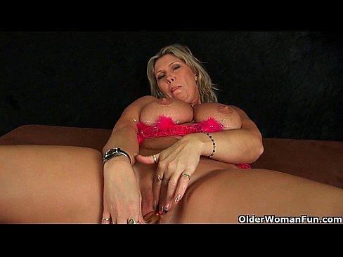 媽媽無法控制她洶湧的性飢渴